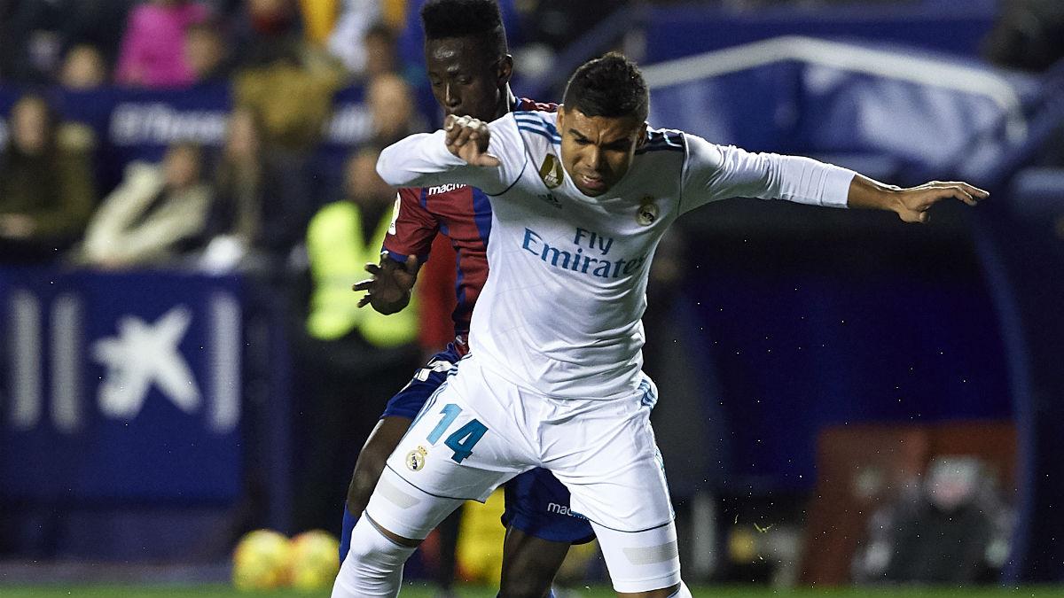 Casemiro, durante el partido ante el Levante (Getty).