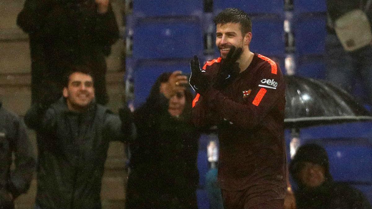 Gerard Piqué salvó un punto para el Barcelona en uno de los escenarios donde más le odian. (EFE)