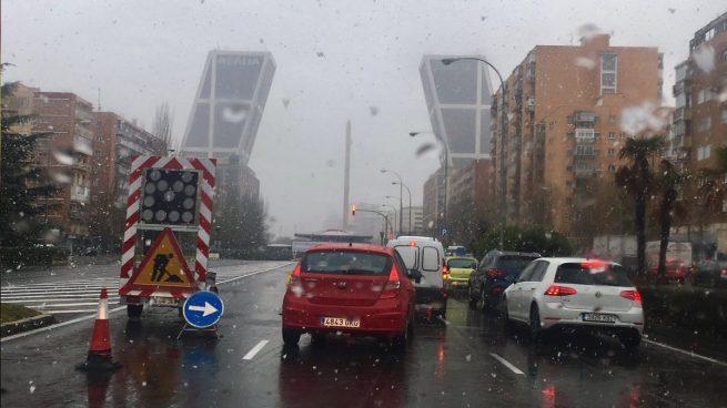 Retenciones de 16 kilómetros en la salida de Madrid por un accidente en la A-3