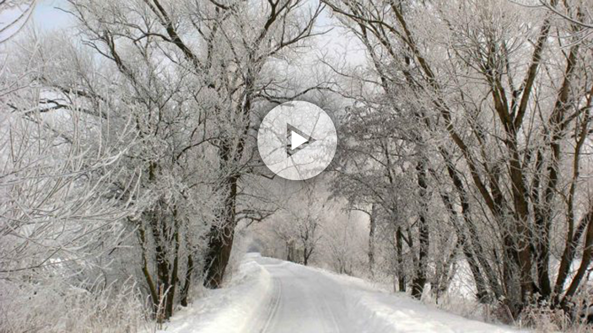 Las carreteras pueden presentar placas de hielo tras las intensas nevadas , según la predicción.