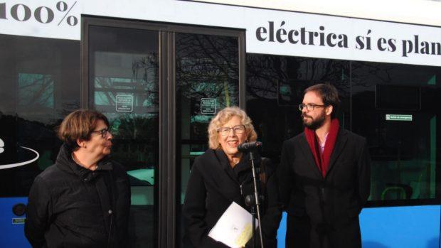 Carmena tiene decenas de autobuses sin estrenar guardados en las cocheras