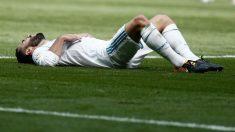 Dani Carvajal se lamenta de una acción durante un partido (Getty).