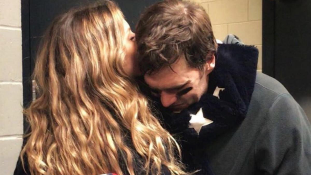 El beso de Gisele Bündchen a Tom Brady. (@gisele)