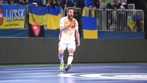 Pola celebra su gol a Ucrania. (UEFA)