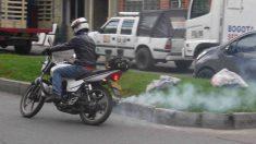 Descubre 5 razones por las que tu moto puede echar más humo de lo normal.