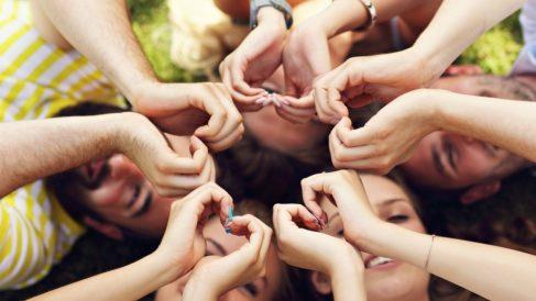 No debes desaprovechar el 14 de febrero para decir a tus amigos lo mucho que los quieres.
