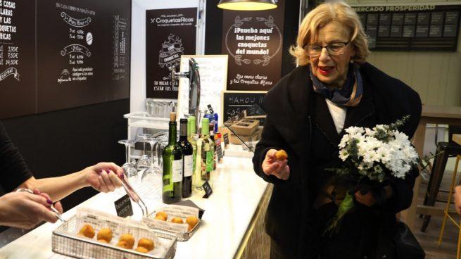 Carmena triplica el gasto en canapés y bebidas: 100.000 € anuales