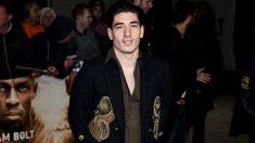 Héctor Bellerín desató la polémica con su aspecto en una feria de moda en Londres. (Getty)