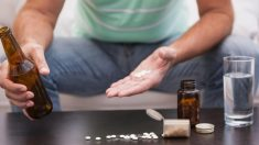 El ibuprofeno potencia los efectos del alcohol.