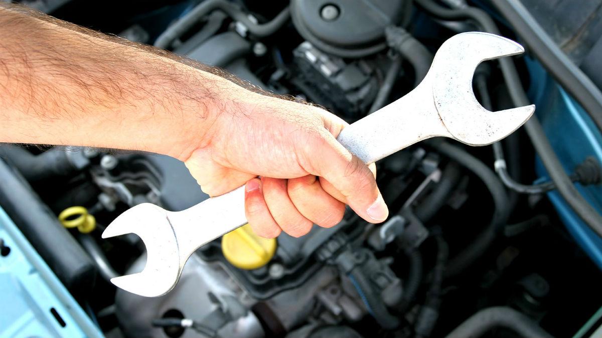Un mecánico de Reus ha sido acusado de un delito de odio después de negarse a reparar el coche particular de un Policía Nacional.