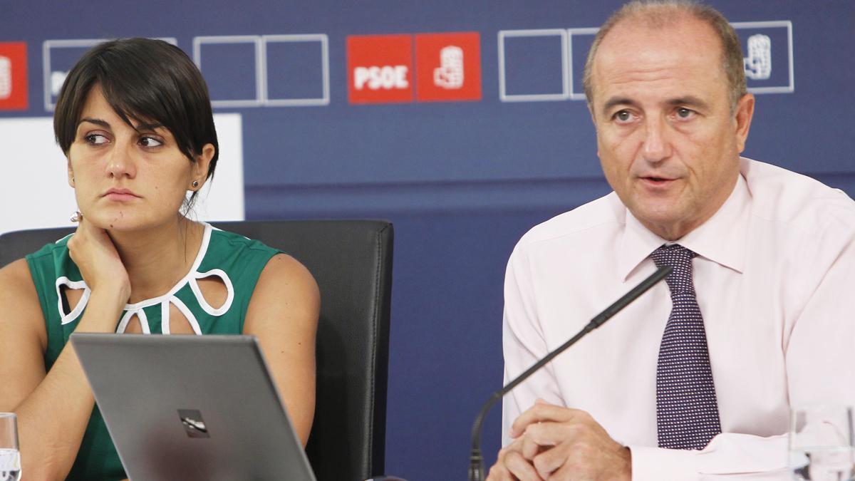 María González Veracruz y Miguel Sebastián. (Foto: PSOE)