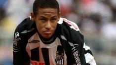 Neymar con la camiseta de Santos en 2009. (AFP)