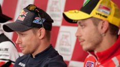 Casey Stoner ha puesto el dedo en la llaga de Valentino Rossi, asegurando que el mal año de Yamaha en 2017 se debe fundamentalmente al desempeño de sus pilotos oficiales. (Getty)
