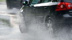 Conducir con lluvia requiere una serie de atenciones especiales que, de no tenerlas, pueden hacer que tengamos una accidente.