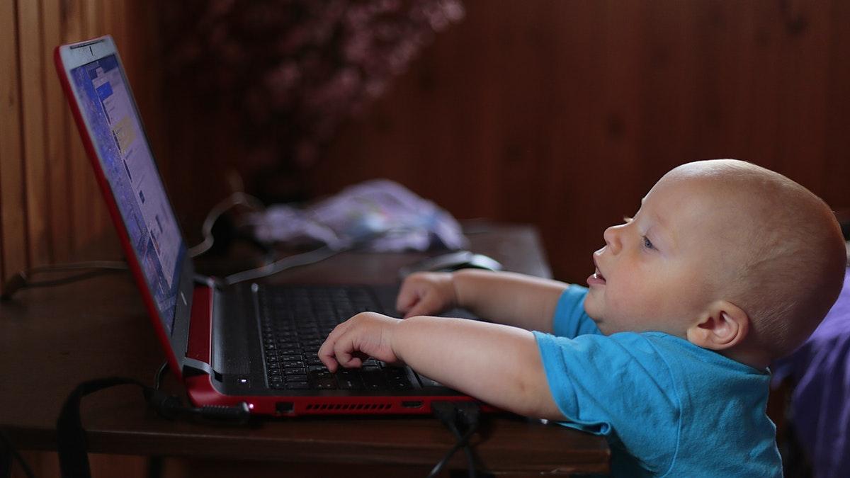 ¿Está seguro tu hijo cuando navega en internet?