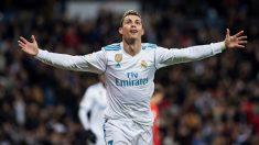 Cristiano Ronaldo celebra su segundo gol ante la Real Sociedad. (EFE)