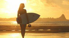 Aprende a cabalgar las olas con nuestras claves para surfear.