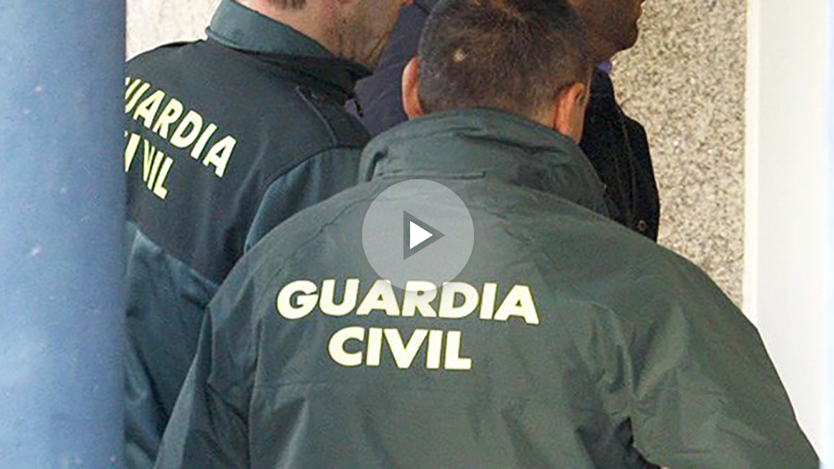 Agentes de la Guardia Civil. (Foto: EFE)
