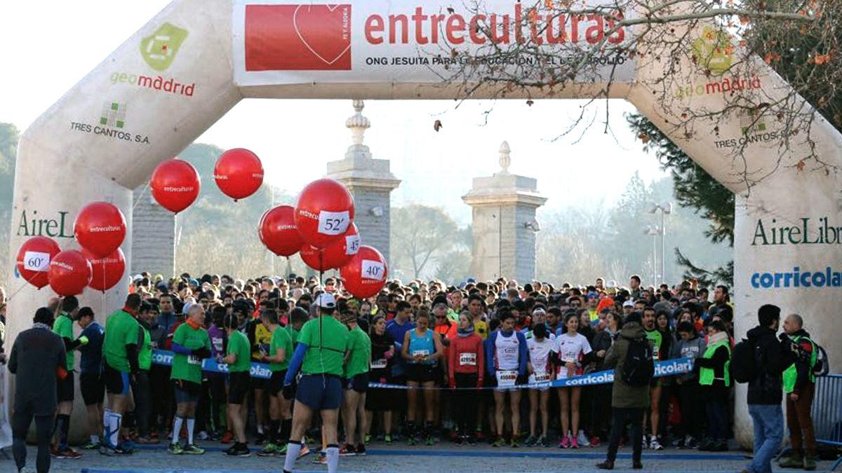 Salida de la VII carrera solidaria 'Corre por una causa, corre por la educación», organizada por la ONG Entreculturas (Foto: Efe).