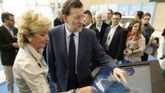 Esperanza Aguirre junto a Mariano Rajoy. (Foto: PP)