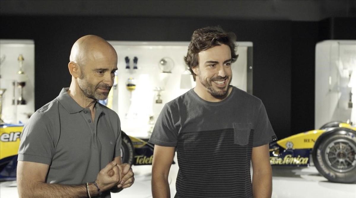 Antonio Lobato, junto con Fernando Alonso.