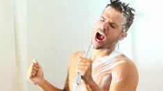 ¿Cuáles son los beneficios de cantar bajo la ducha?
