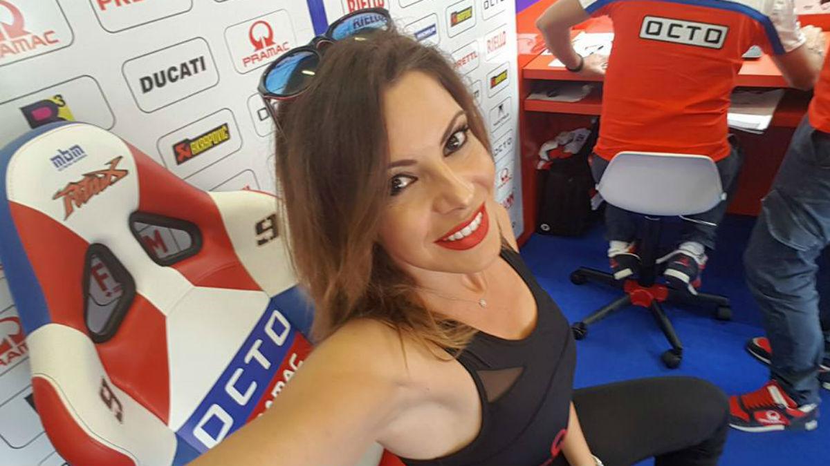 Irene Gómez, azafata y modelo de MotoGP.