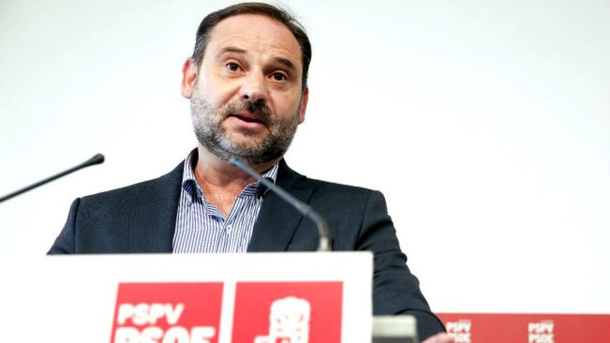 José Luis Ábalos, secretario de Organización del PSOE y ministro de Fomento. (EFE)