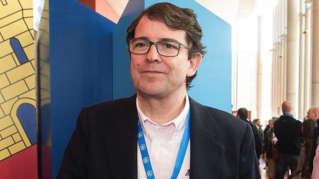 El 'popular' Mañueco presenta su equipo de Gobierno con Igea como vicepresidente