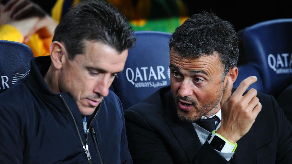 Juan Carlos Unzué charla con Luis Enrique. (Getty)