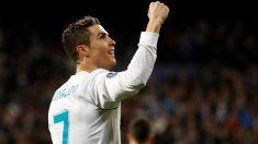 Cristiano Ronaldo celebra su segundo gol ante el PSG. (EFE)