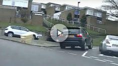 Tres ladrones a bordo de un BMW X3 han protagonizado una espectacular persecución policial en Reino Unido.
