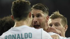 Sergio Ramos celebra con Cristiano Ronaldo un gol ante el PSG. (AFP)