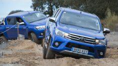La nueva Toyota Hilux 2018 une a su capacidad todoterreno una versatilidad en cuanto a versiones que la convierte en el producto ideal tanto para profesionales como para particulares con ganas de aventura.