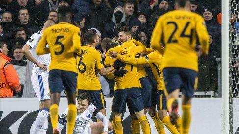 Los jugadores del Atlético de Madrid celebran uno de los goles frente al Copenhague. (AFP)