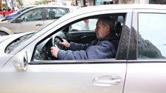 Los conductores mayores son los que más riesgo tienen de sufrir accidentes, tanto por la merma de facultades que provoca el paso del tiempo como por la antigüedad de los coches que conducen.