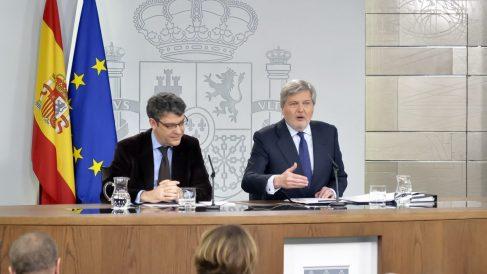Álvaro Nadal y Méndez de Vigo en la rueda de prensa del Consejo de Ministros