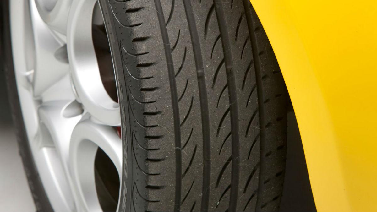Llevar los neumáticos en mal estado puede provocar una tragedia.