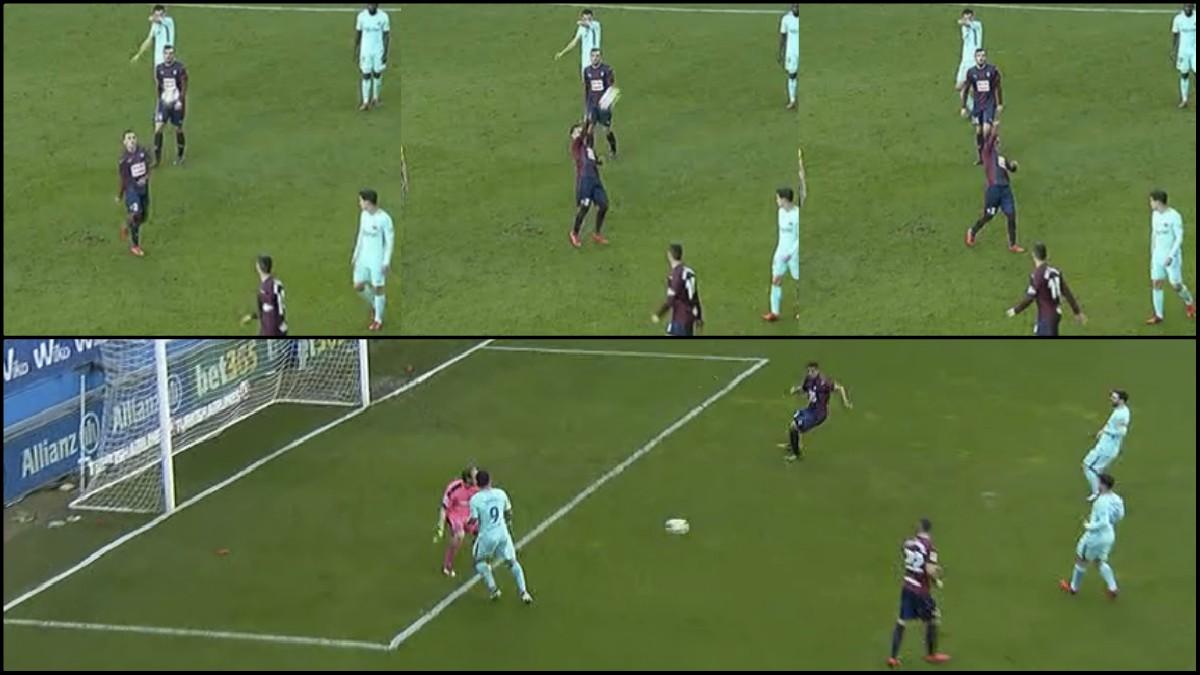 El árbitro expulsó a Orellana por desplazar el balón, pero no amonestó a Suárez por lo mismo.