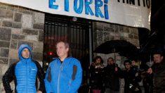 Etarras recibidos en Andoain (Foto: EFE)