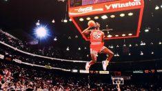 Michael Jordan en el Concurso de Mates de la NBA de 1988. Flickr/Cliff