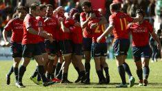 La selección española de rugby celebra su triunfo ante Rumania. (EFE)