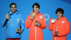 Fernández, a la izquierda, en el podio de Pyeongchang. (Getty)