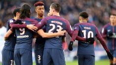 Los jugadores del PSG celebran uno de sus goles al Estrasburgo (AFP).