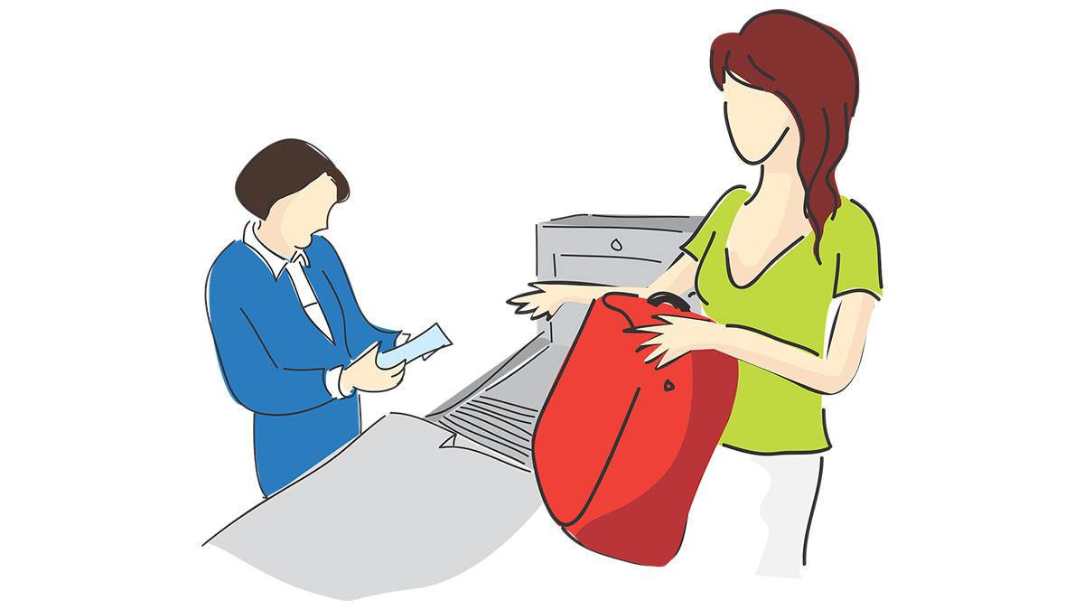 Una mujer atravesó el escáner de seguridad de una estación de ferrocarril para evitar que los ladrones le robaran el dinero que llevaba en el bolso