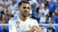 Dani Ceballos celebra uno de sus goles en Mendizorroza. (AFP)