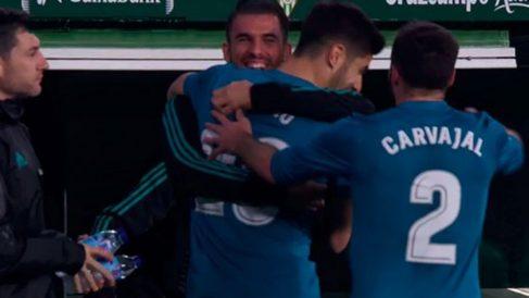 Asensio dedicó el gol a Ceballos.