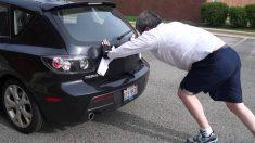 Empujar el coche cuando nos quedamos sin batería para arrancarlo requiere de una serie de acciones a tener en cuenta si queremos tener éxito.