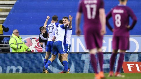 Los jugadores del Wigan celebran el gol de la victoria. (Getty)