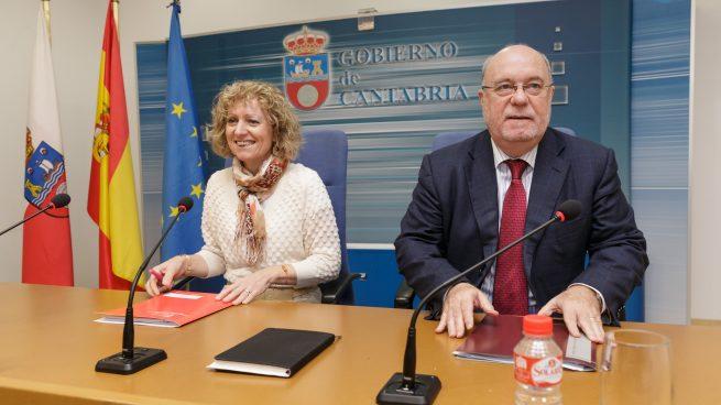La vicepresidenta del Gobierno de Cantabria, Eva Díaz Tezanos y su consejero de Economía, Juan José Sota.